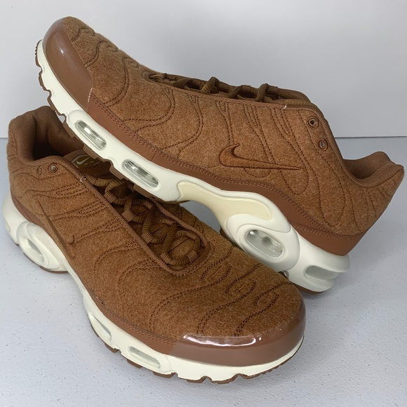 NEW Size 12 Nike Air Max TN Quilted Running Shoes NWT